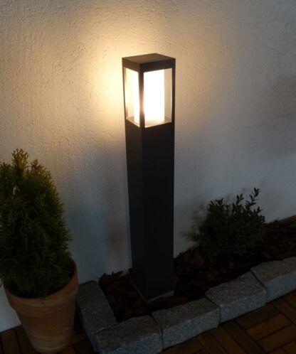 Lampa ogrodowa SQUER 55 - zapalona