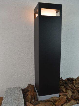 Lampa ogrodowa - kolor czarny